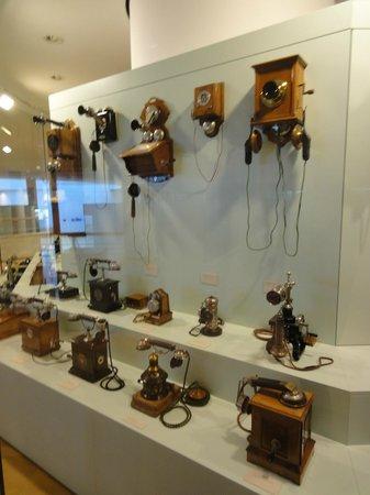 Museum fur Post und Kommunikation: telefoni attraverso i tempi