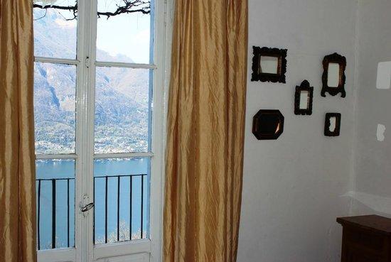 B&B Villa Le Ortensie: Camera Glicine view