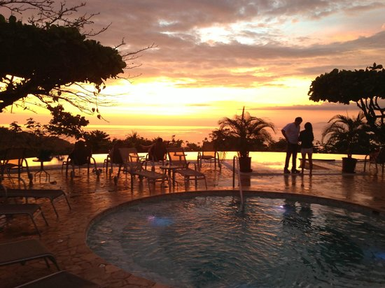 La Mariposa Hotel: Wonderfully designed pool space with unreal views.