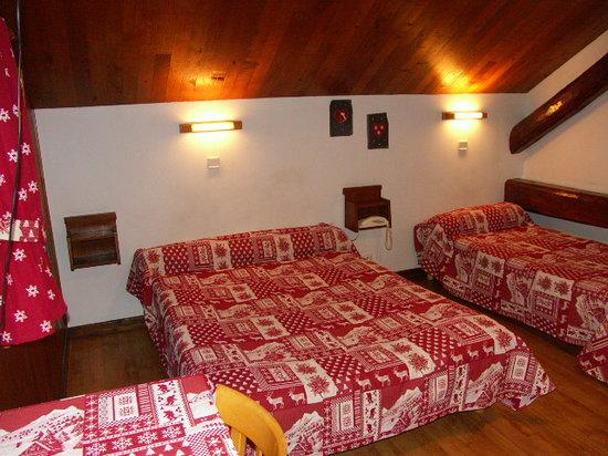 chambre de style Montagnard - Photo de Hotel restaurant LES ...