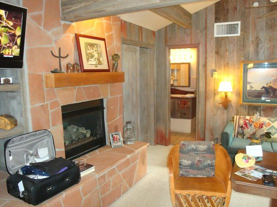 The Suites at Sedona: Boots and Saddles