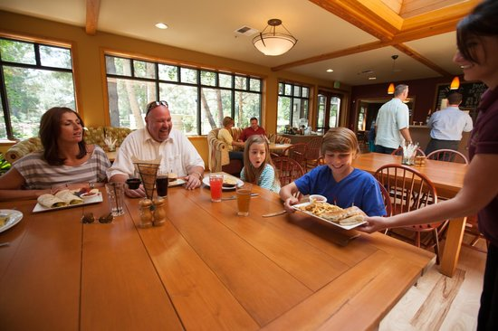 WorldMark Bend - Seventh Mountain Resort: Season Restaurant