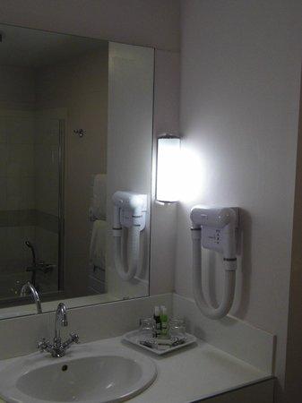 Les Agassins: salle de bain