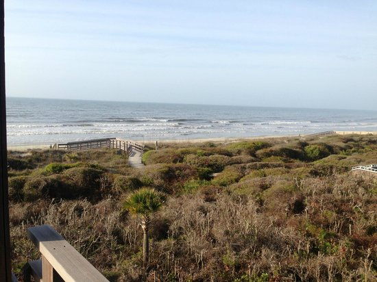 Kiawah Island Golf Resort: View down the beach