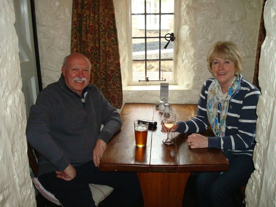 Masons Arms: A quiet drink in the snug at the Mason's Arms