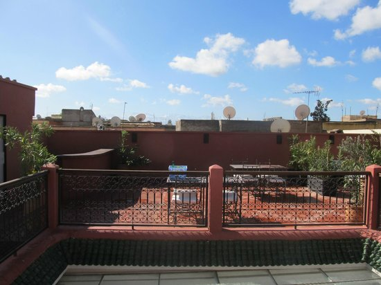 Riad Alnadine: roof Terrace