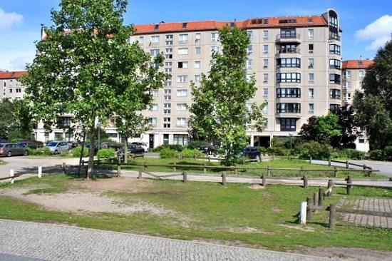 Explore Berlin Tours: Hitler's bunker site.