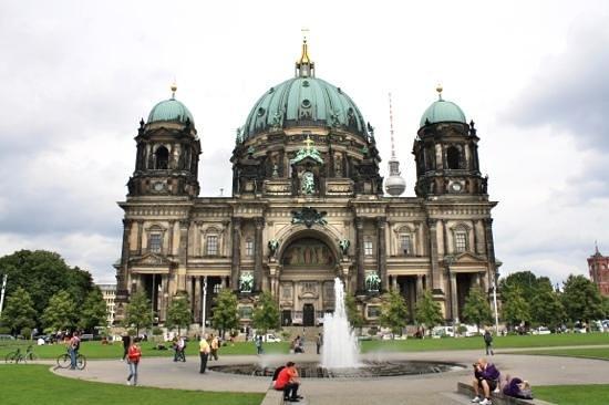 Explore Berlin Tours: Berliner dom.