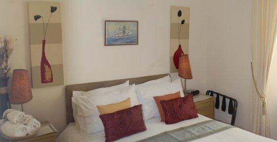 Marlborough House Hotel: En suite room 9