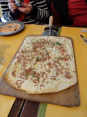 Flam's Saint Lazare: Sausage and onion