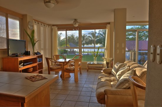 Villa Malibu, Suites on the Beach: Luna Suite - View to Ocean, Beach and Pool