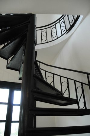 Unique Boutique Cambodia: Staircase