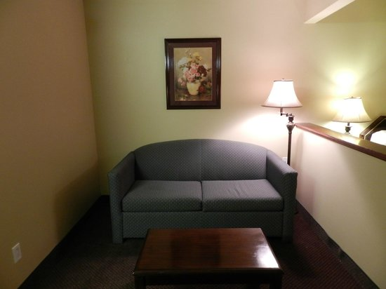 Luxury Inn & Suites: Junior Suite view 3