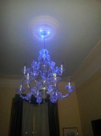 Relais Conte Di Cavour de Luxe: bedroom light