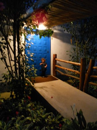 Hotel Fazenda 3 Pinheiros : Porta de uma ala dos quartos