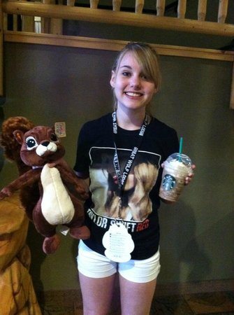 Great Wolf Lodge: Creation Station animal and Starbucks