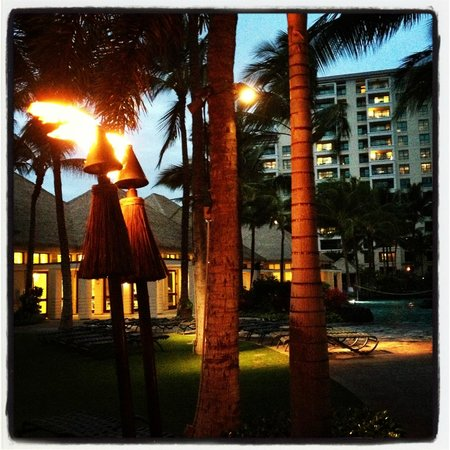 At night they light the grounds with tiki torches