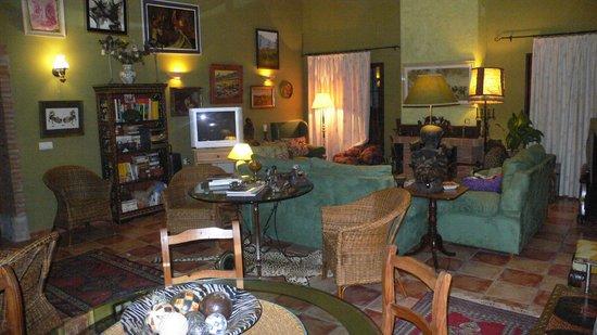 Cortijo Zalamea: Salon recepcion en la casa principal