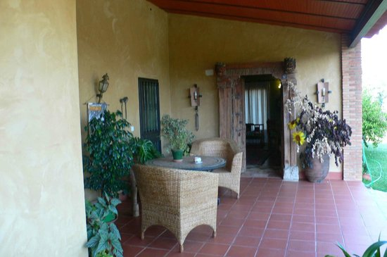 Cortijo Zalamea: Terraza de la casa principal