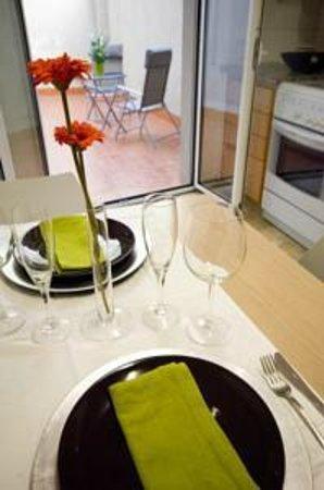 Apartments Figueres: Comedor