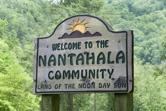 Nantahala River Lodge: The local sign for the community