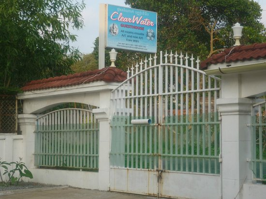 Clearwater Guest House: Eingang