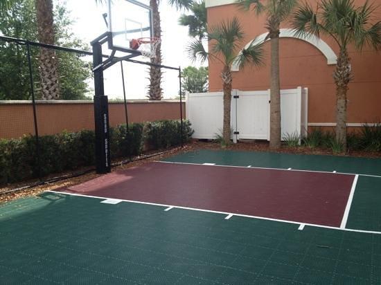 Hilton Garden Inn Lake Buena Vista/Orlando: sport court