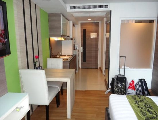 iCheck inn Residences Sukhumvit 20: The bedroom area