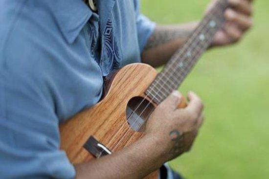 Aloha Friday Complimentary Hawaiian Cultural Activites