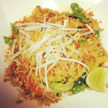 Sa Bai Dee Thai and Chinese Restaurant: Pad Thai