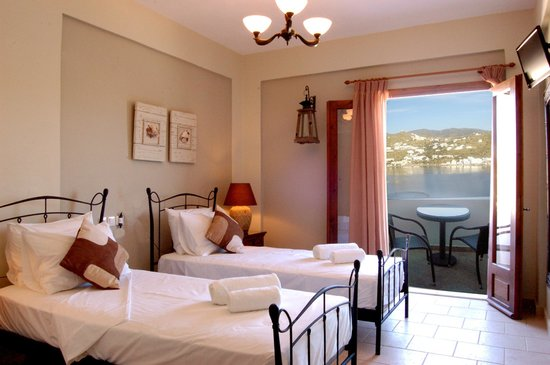 Seabreeze Hotel: All our rooms have amazing sea views!