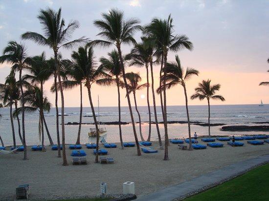 Mauna Lani Bay Hotel & Bungalows: Sunset from Lanai