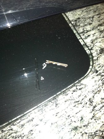 Doubletree Hotel Tulsa-Downtown: Items found on the floor