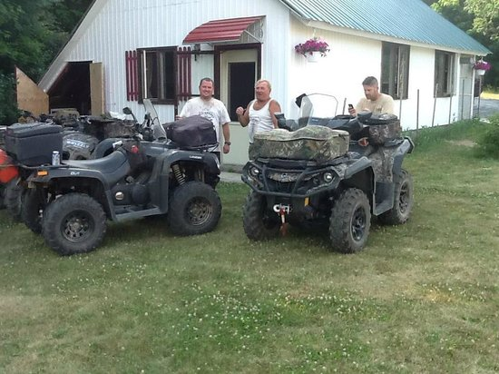 Denbigh, Kanada: We arrived by ATV