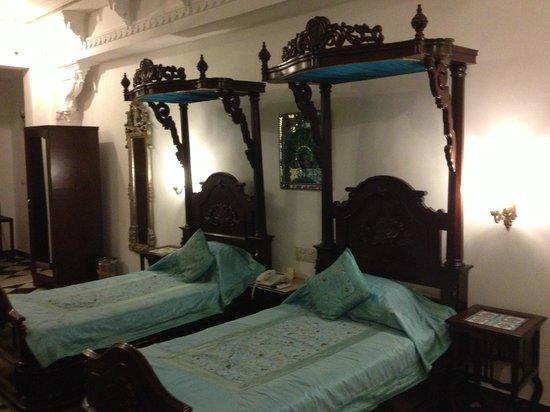 Hotel Swaroop Vilas: twin bed suite