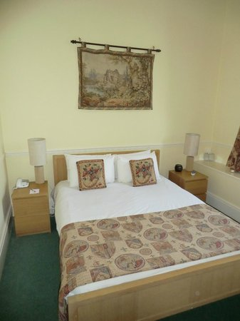 Best Western Walworth Castle Hotel: Our room in the castle