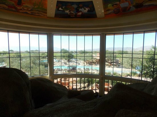 Sheraton Grand at Wild Horse Pass: View from the lobby