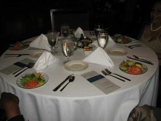 Hyatt Regency Hill Country Resort and Spa: Tables before guests sat down