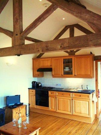 Coombe Barn Holidays: Owl Cottage lounge