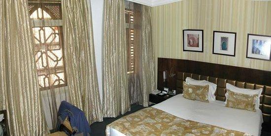Al Waddan Hotel: room
