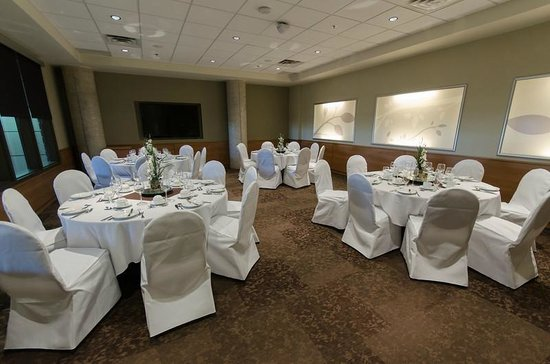 Canad Inns Destination Centre Health Sciences Centre: Ambassador Banquet Room