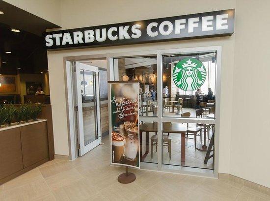 Canad Inns Destination Centre Health Sciences Centre : Starbucks