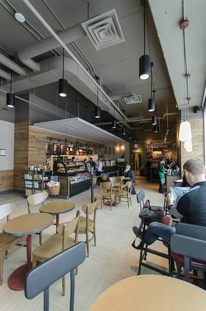 Canad Inns Destination Centre Health Sciences Centre: Starbucks