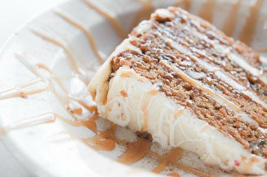 Arni's Restaurant: Four High Carrot Cake