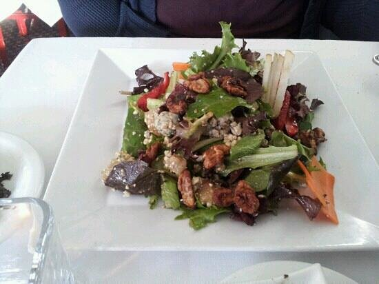Michael Anthony's Food Bar: pecan salad
