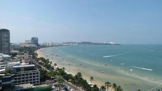 Holiday Inn Pattaya: View from Dlx Oceanview