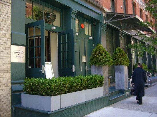 Greenwich Grill: Facade
