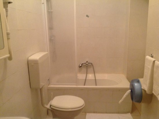 Hotel Antico Distretto: bathroom, always spotlessly cleaned