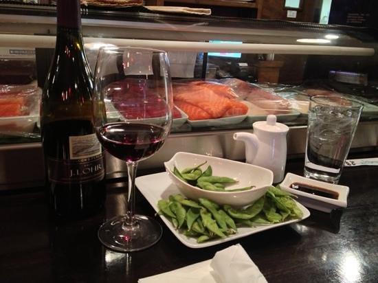 Sakura Japanese Grill & Sushi Bar: edamame and wine