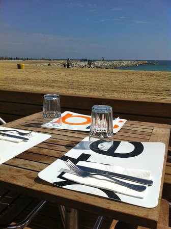 Sal Cafe : tavoli all'aperto